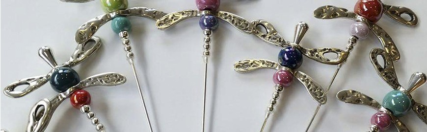 Broches y alfileres
